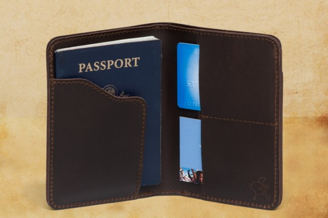 saddleback-leather-passport-wallet