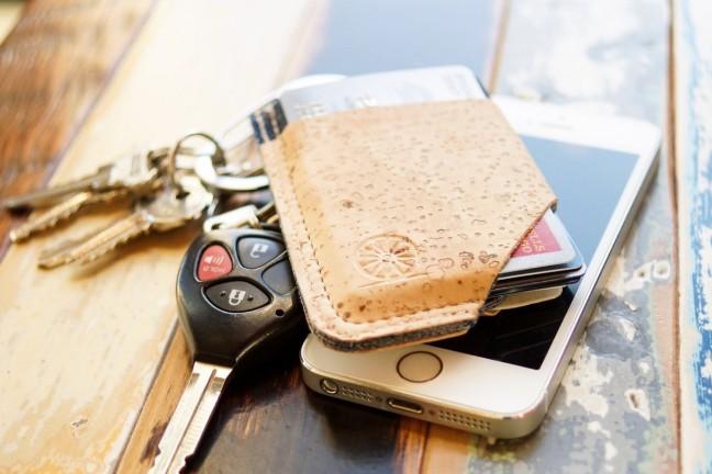 stitch-locke-slide-wallet
