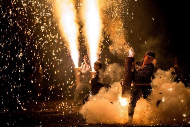 quality-linkage-japanese-hand-tube-fireworks