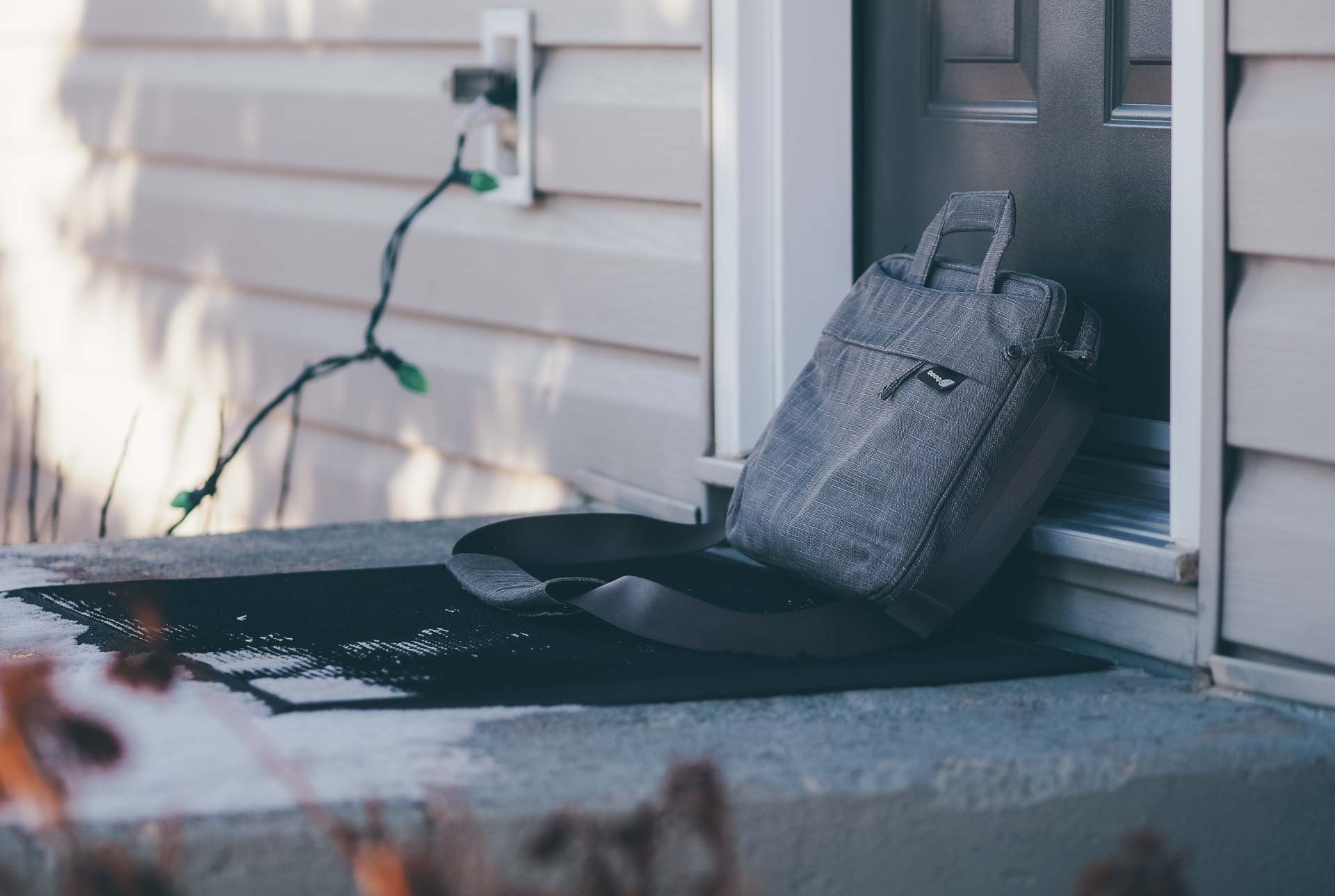 Booq Mamba Slim Courier Bag