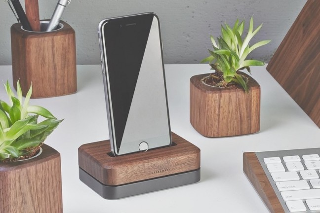 grovemade-iphone-dock