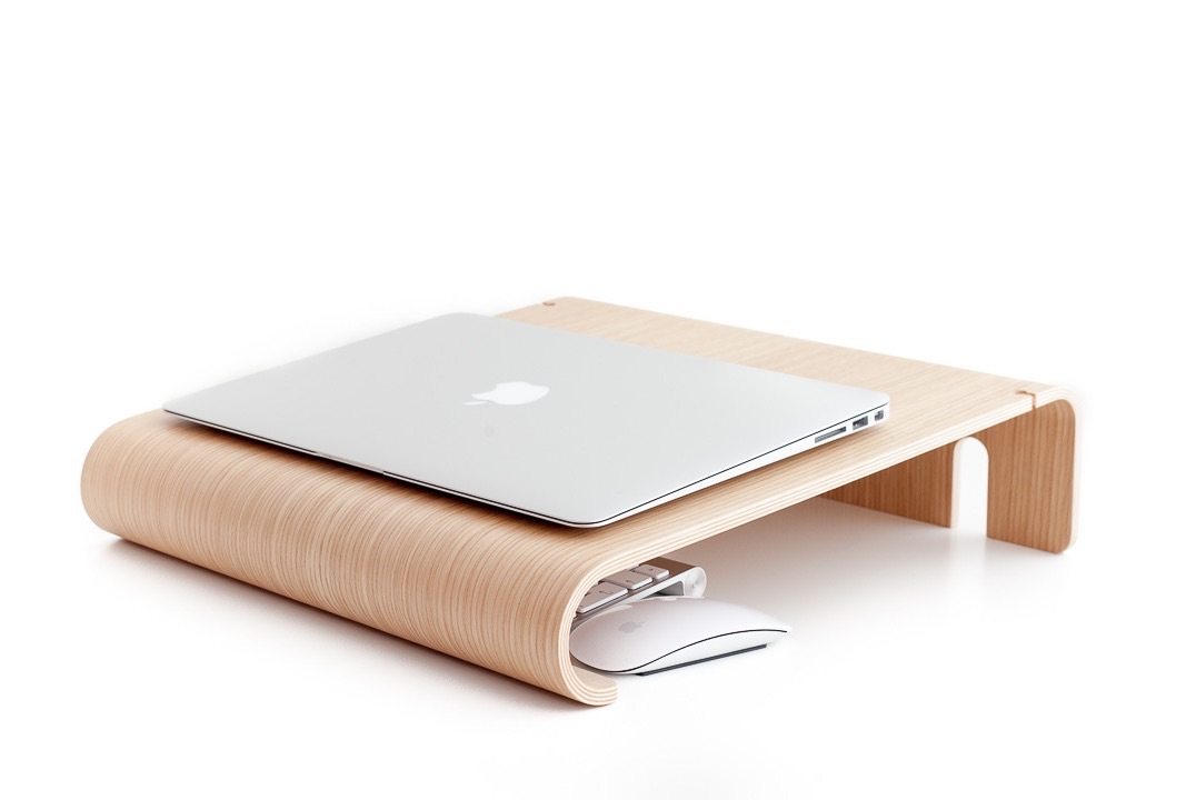 nordic-appeal-macbook-wall-desk-2