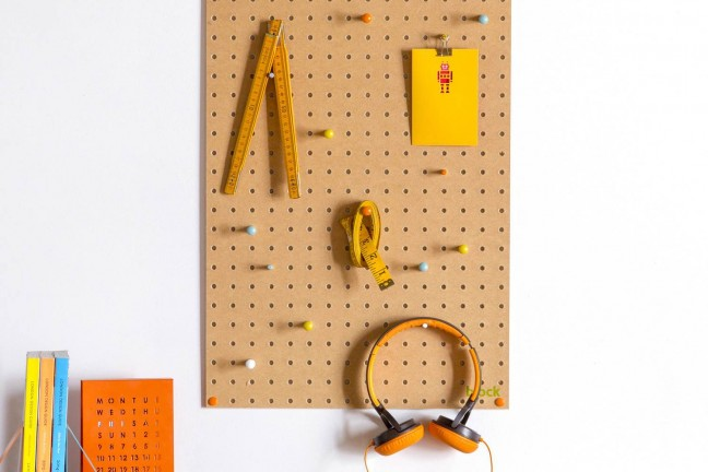 block-large-pegboard-with-wooden-pegs