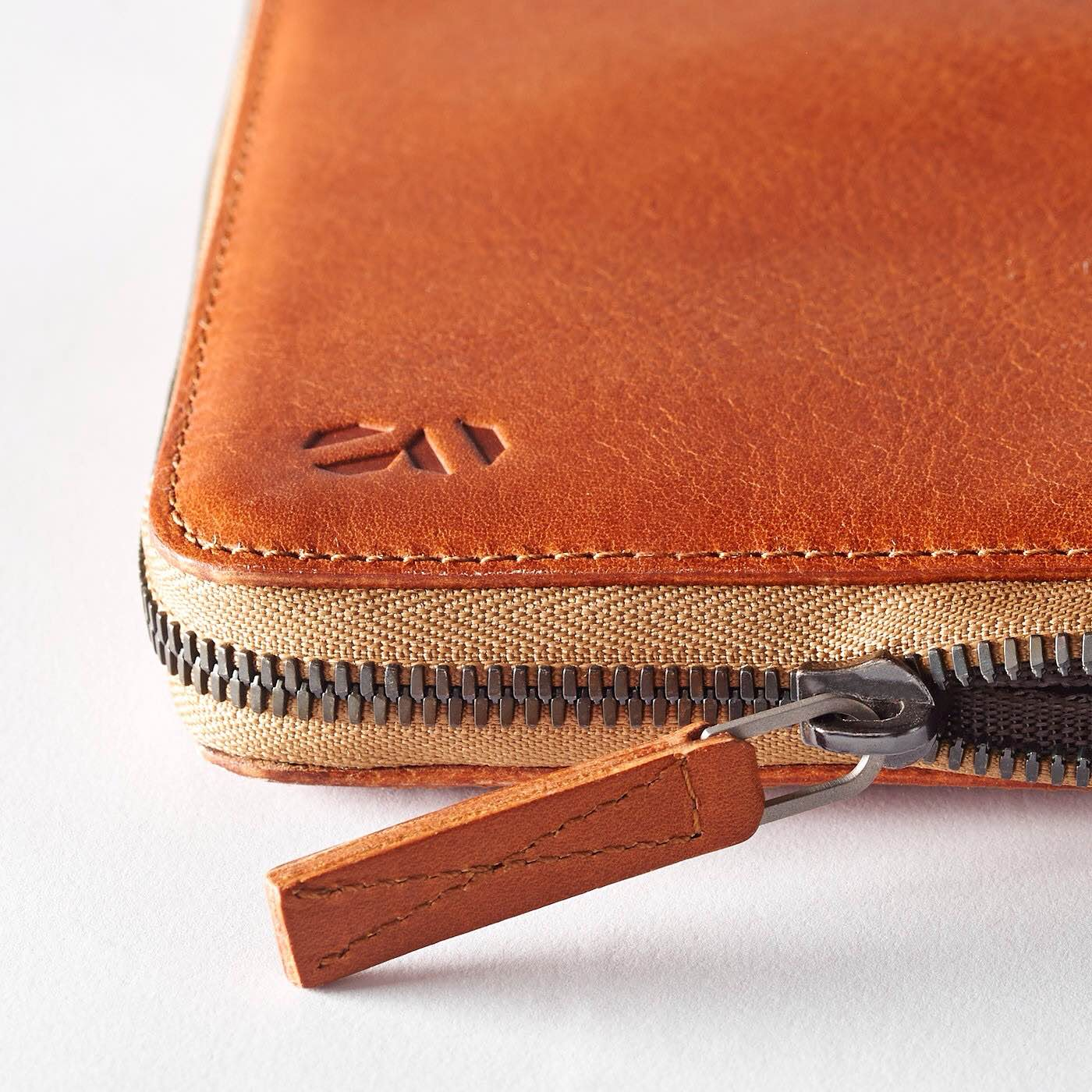 octovo-leather-folio-for-macbook-2