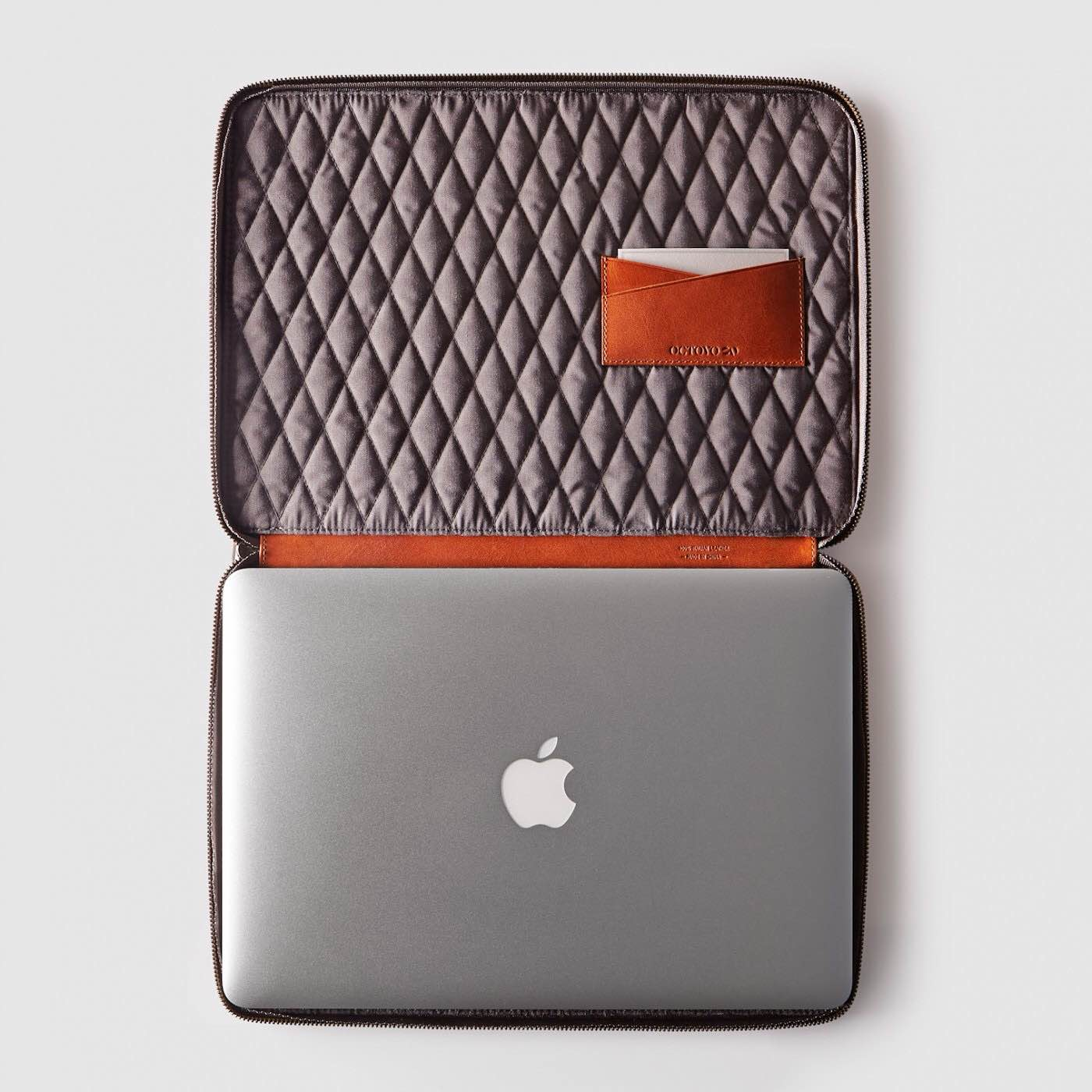 octovo-leather-folio-for-macbook-3
