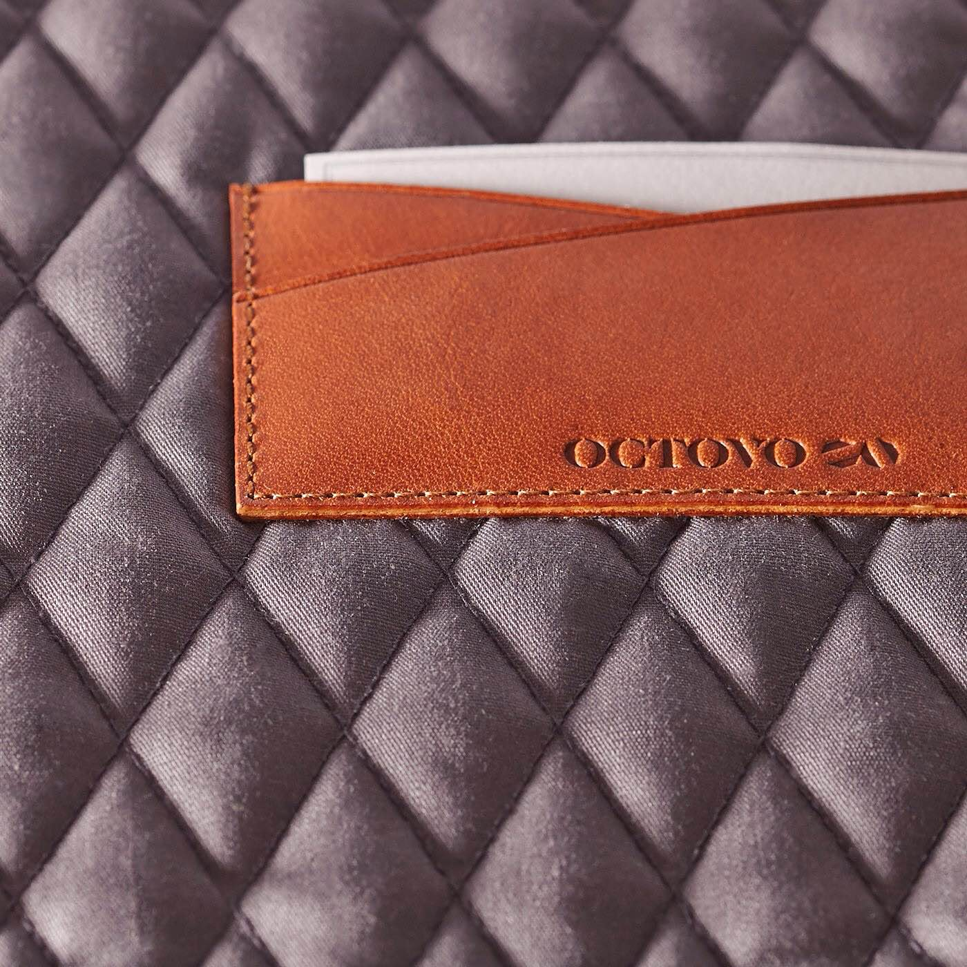 octovo-leather-folio-for-macbook-4