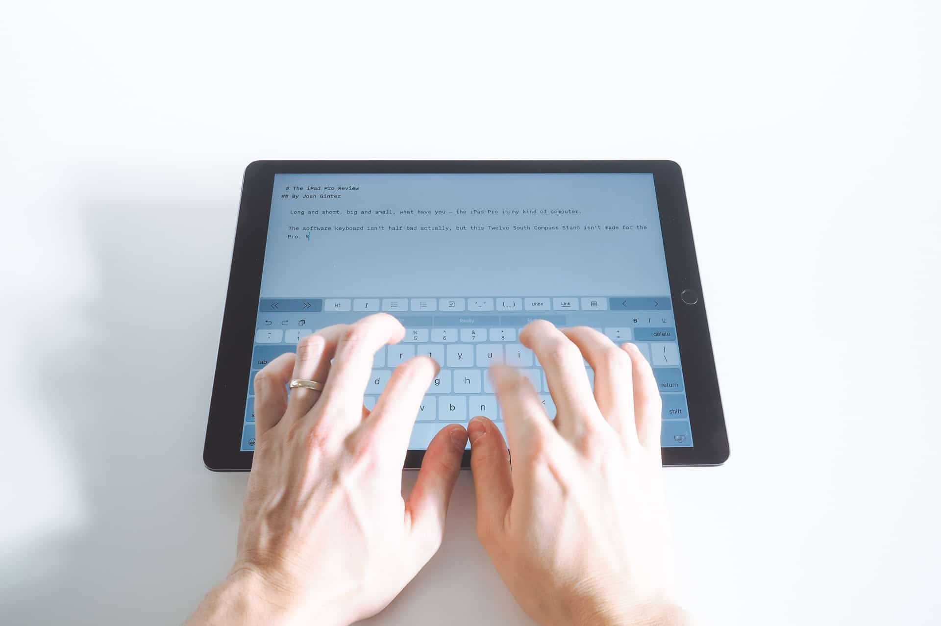 write essay on ipad Learn how to write an essay on 160 essay topics with essay examples essays on persuasive essay topics, argumentative essay topics and many more are now made easy for you with this intuitive, useful and simple to use essay writing app.