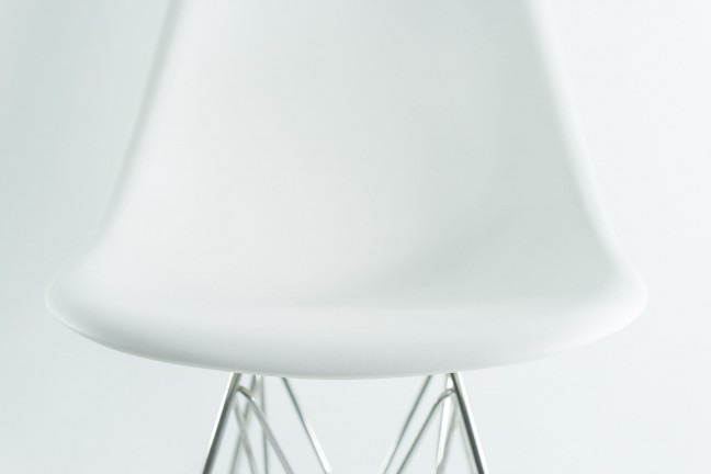 Eames-Plastic-Chair-4