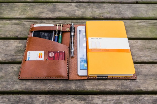 galen-leather-ipad-mini-large-moleskine-cover