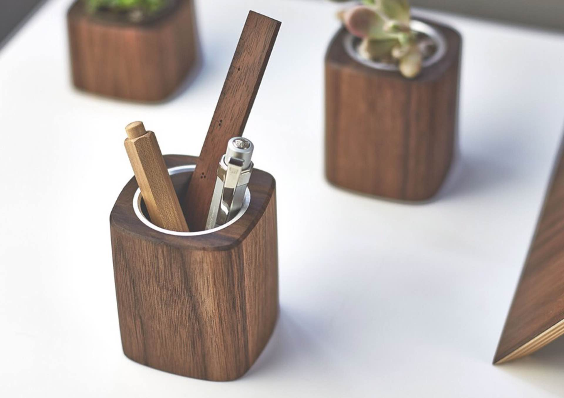 grovemade-wooden-pen-cup