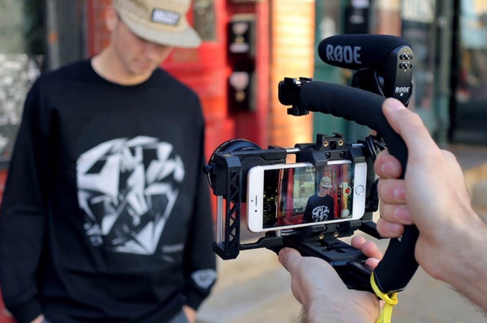 beastgrip-pro-camera-rig-system-for-iphone-3