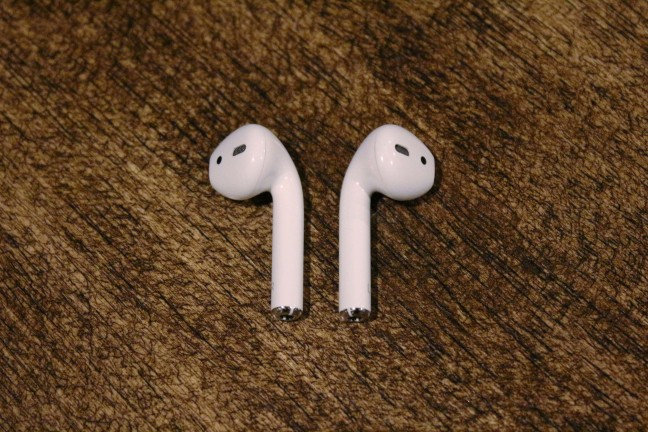 AirPods-8