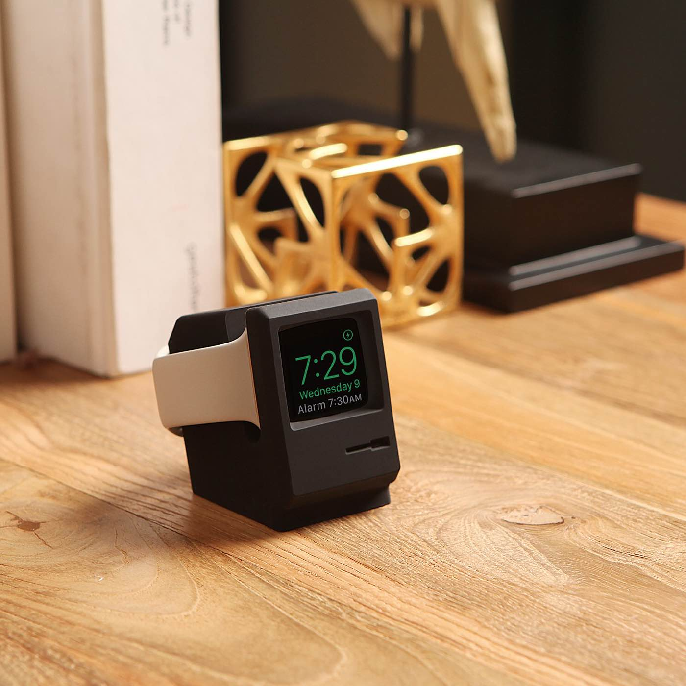 elago-w3-stand-for-apple-watch-3