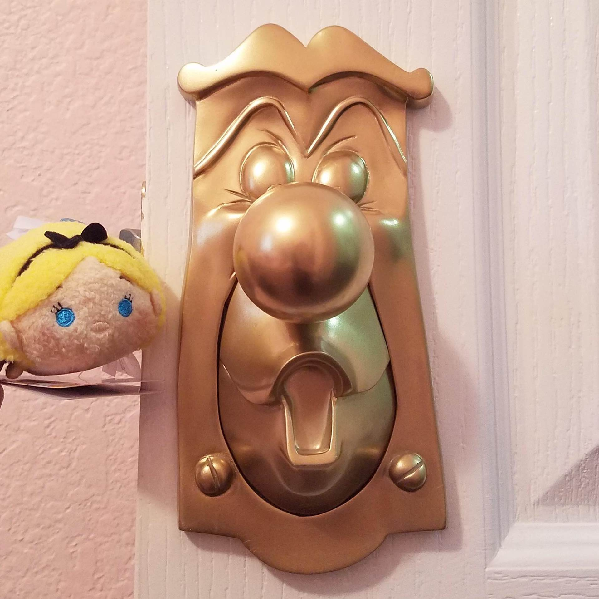 Alice in Wonderland\'-Style Door Knobs [Etsy] — Tools and Toys