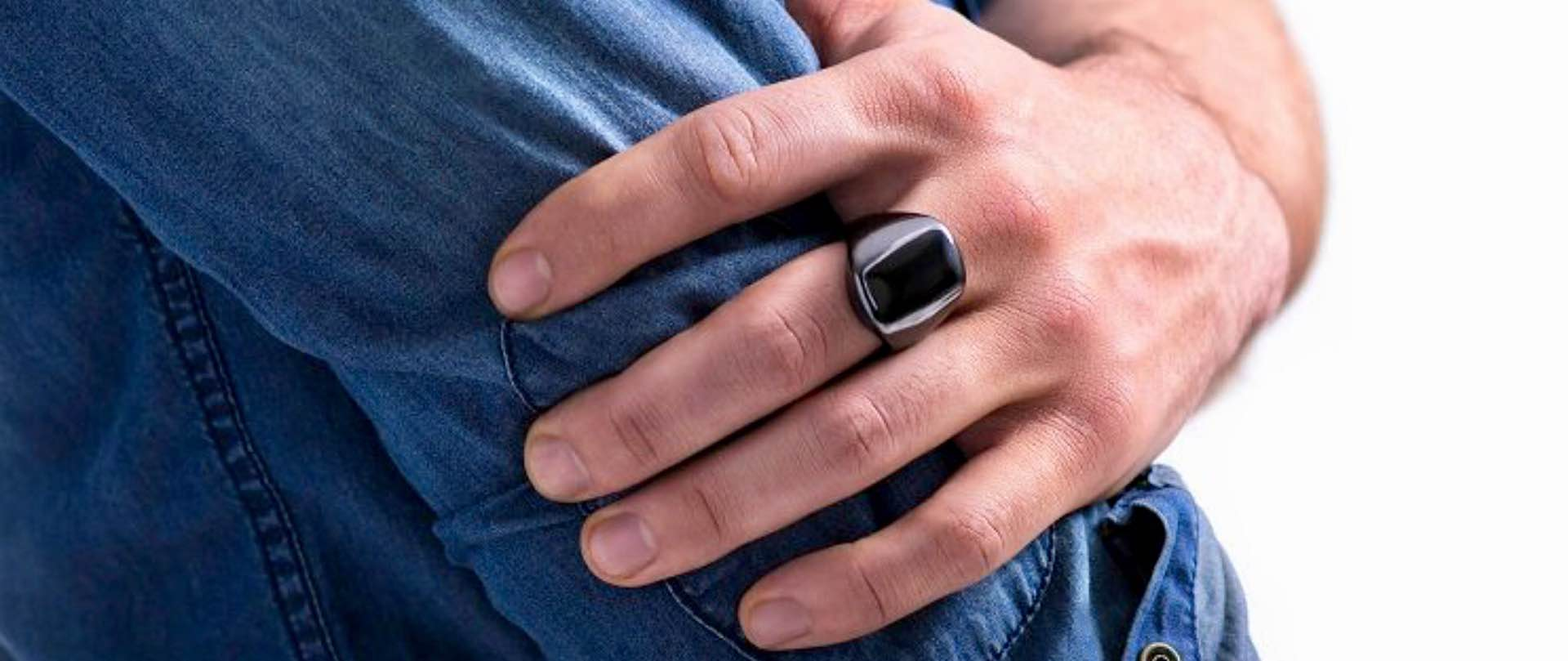 oura-fitness-and-sleep-tracker-ring