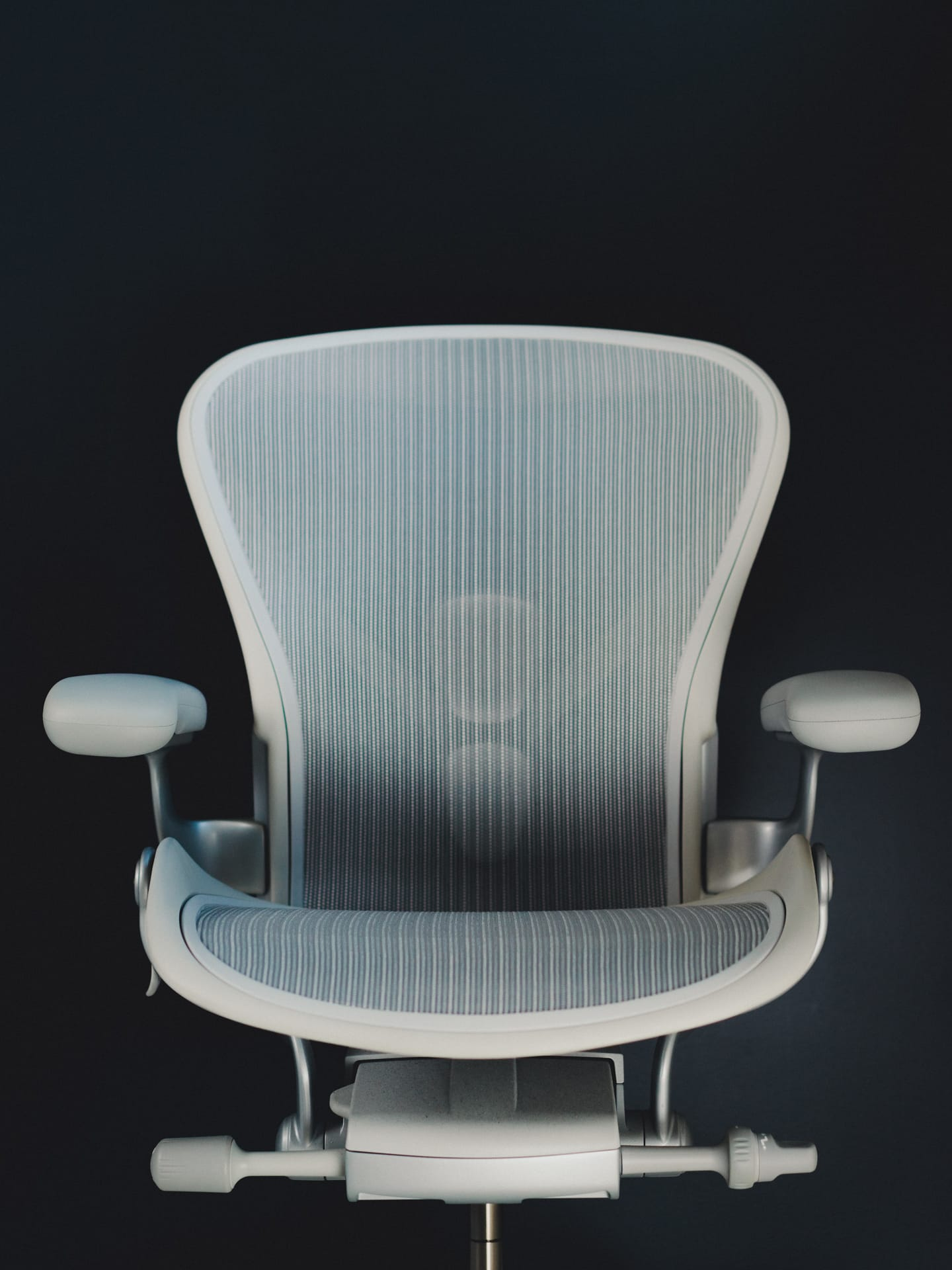 aeron hm posture adjustment and watch spine for chair ergonomics