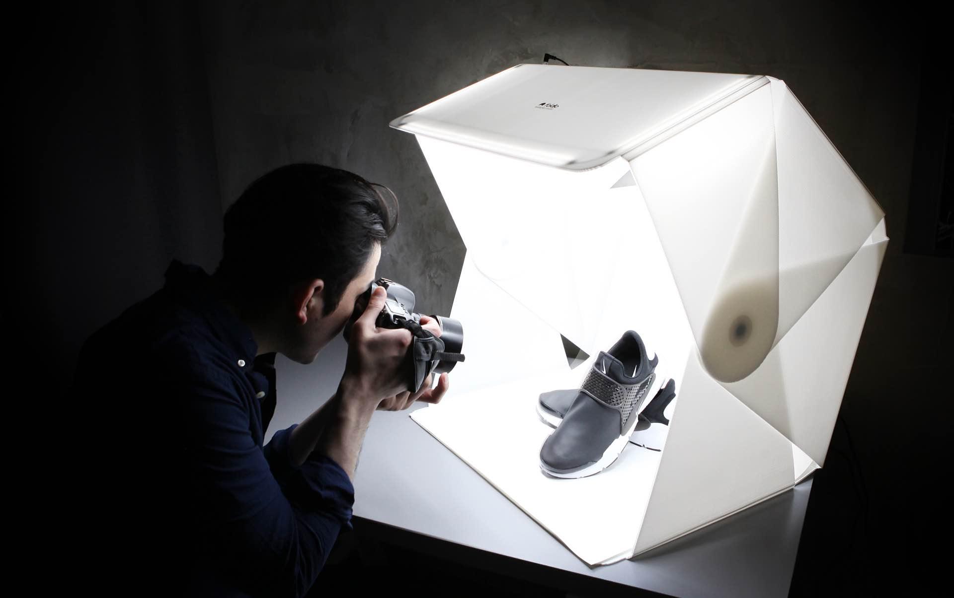 Orangemonkie Foldio3 portable photography studio. ($159)