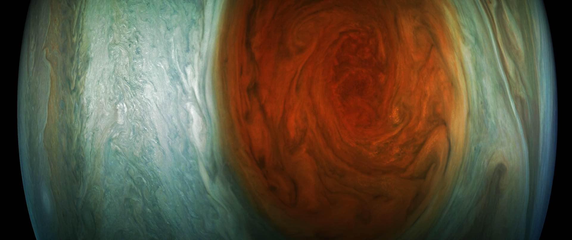 Photo: NASA/JPL-Caltech/SwRI/MSSS/Gerald Eichstadt