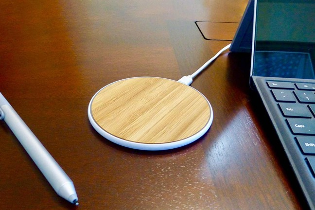 surgedisk-bamboo-wireless-qi-charger