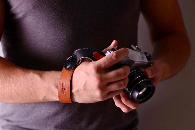 harber-london-leather-slide-camera-wrist-strap