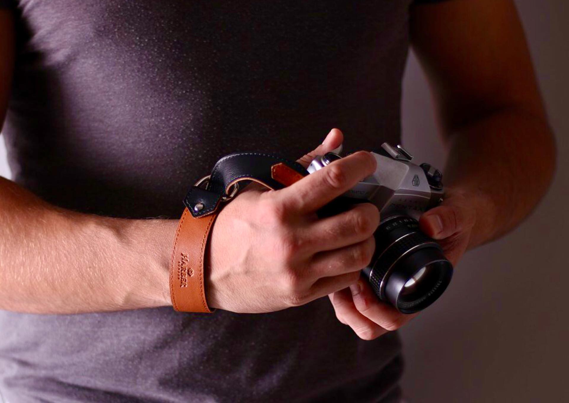 harber-london-leather-slide-camera-wrist-strap