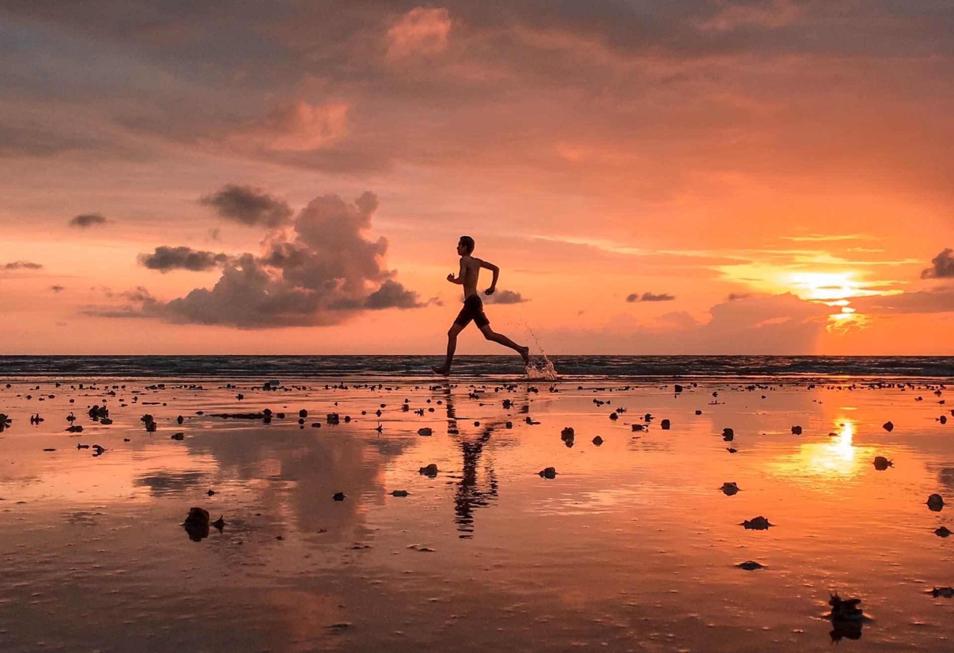 everyday-carry-morning-run-guide-hero-dev-dodia