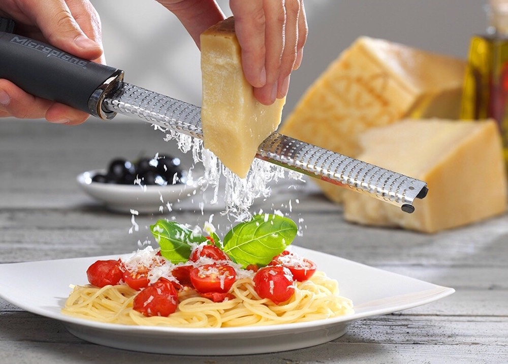 microplane-46020-premium-classic-zester-grater-2