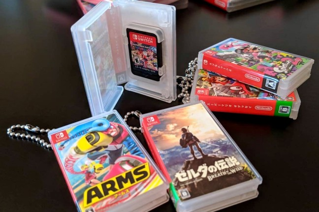 maxgames-card-pocket-mini-keychain-cases-for-nintendo-switch-cartridges