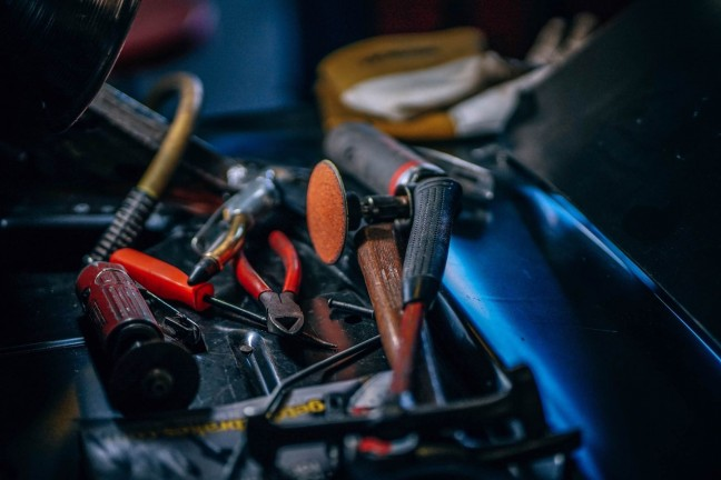9-tools-you-should-have-in-your-kit-guide-hero-igor-ovsyannykov