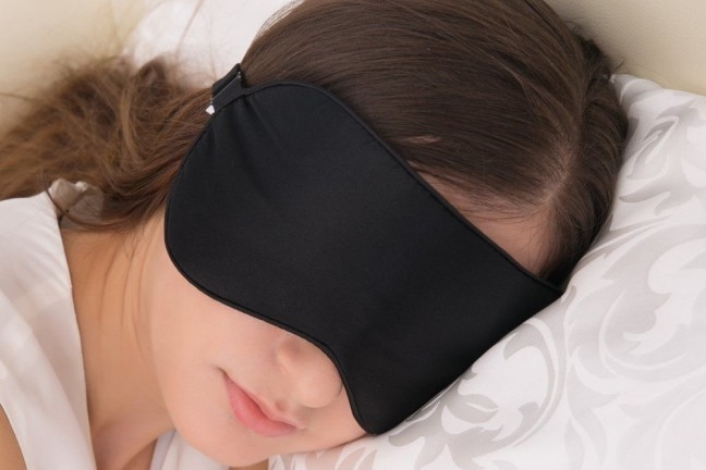 alaska-bear-natural-silk-sleep-mask-blindfold