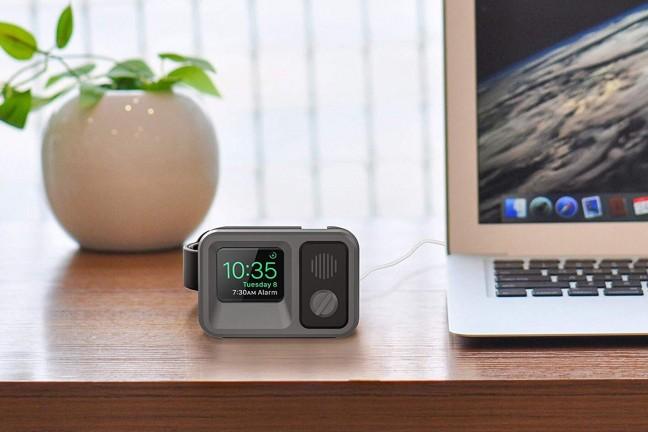 oittm-vintage-tv-apple-watch-stand