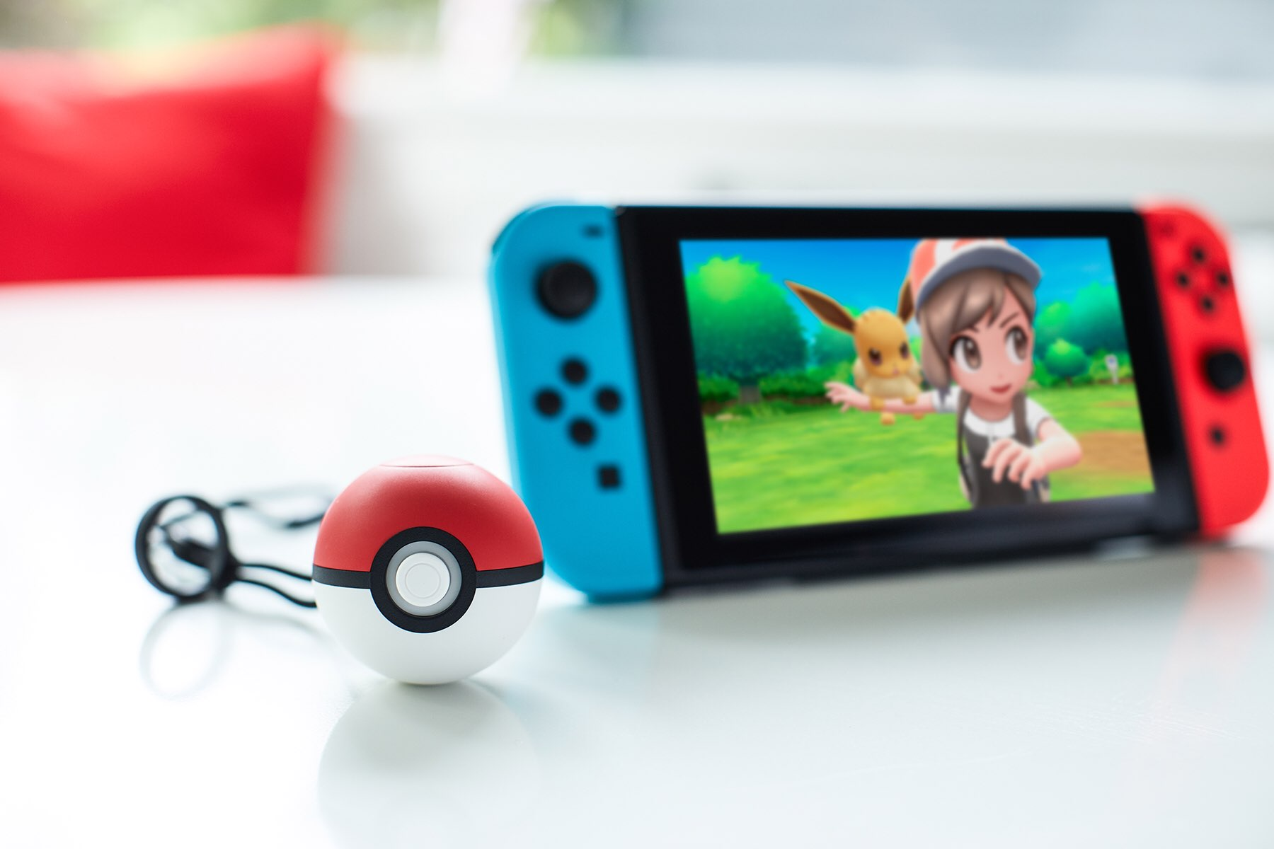 pokemon-lets-go-for-nintendo-switch-poke-ball-plus