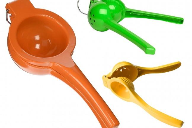 imusa-handheld-citrus-squeezers