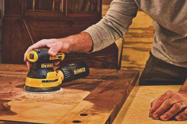dewalt-dwe6423k-5-variable-speed-random-orbit-sander