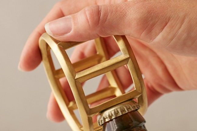 umbra-shift-roll-bottle-opener