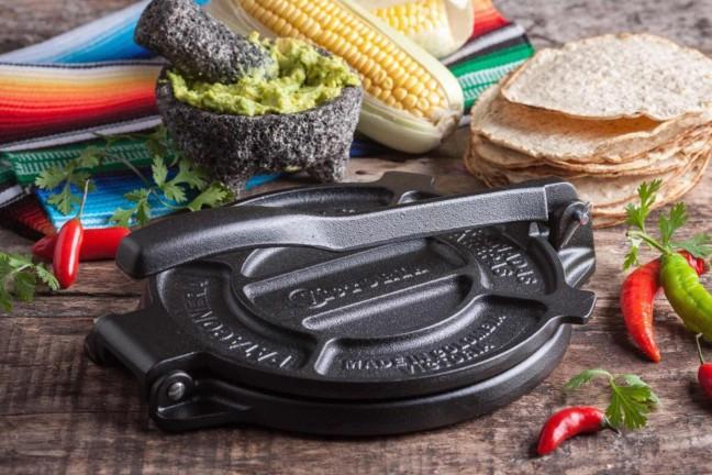 victoria-cast-iron-tortilla-press