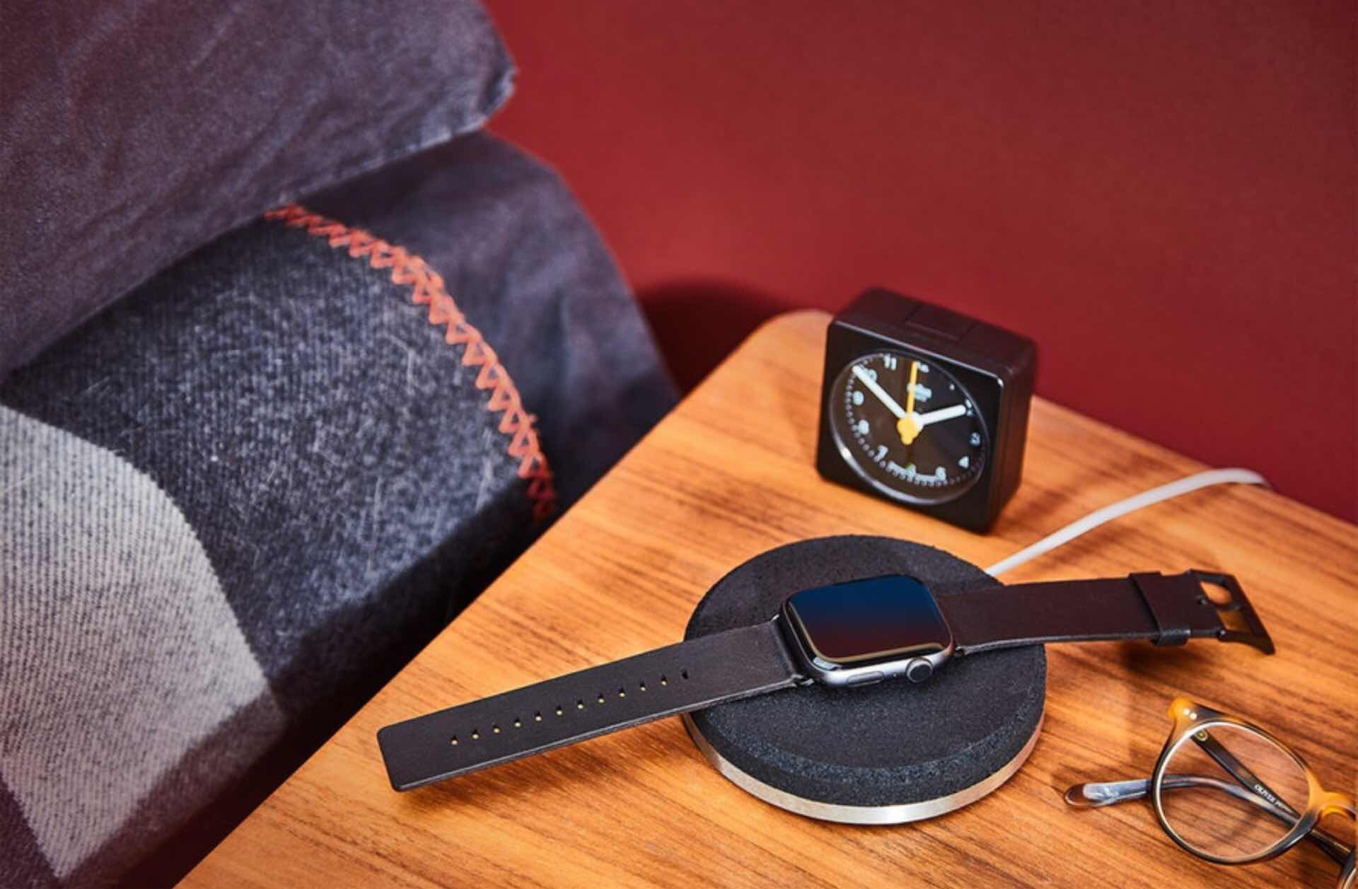 grovemade-apple-watch-dock-dark