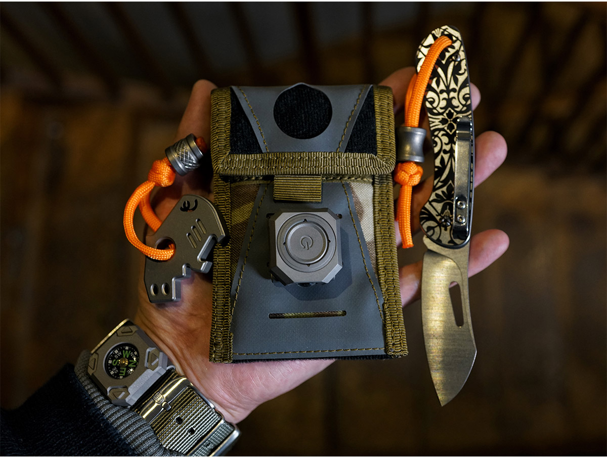 mecarmy-cpl-titanium-watchband-led-light-3