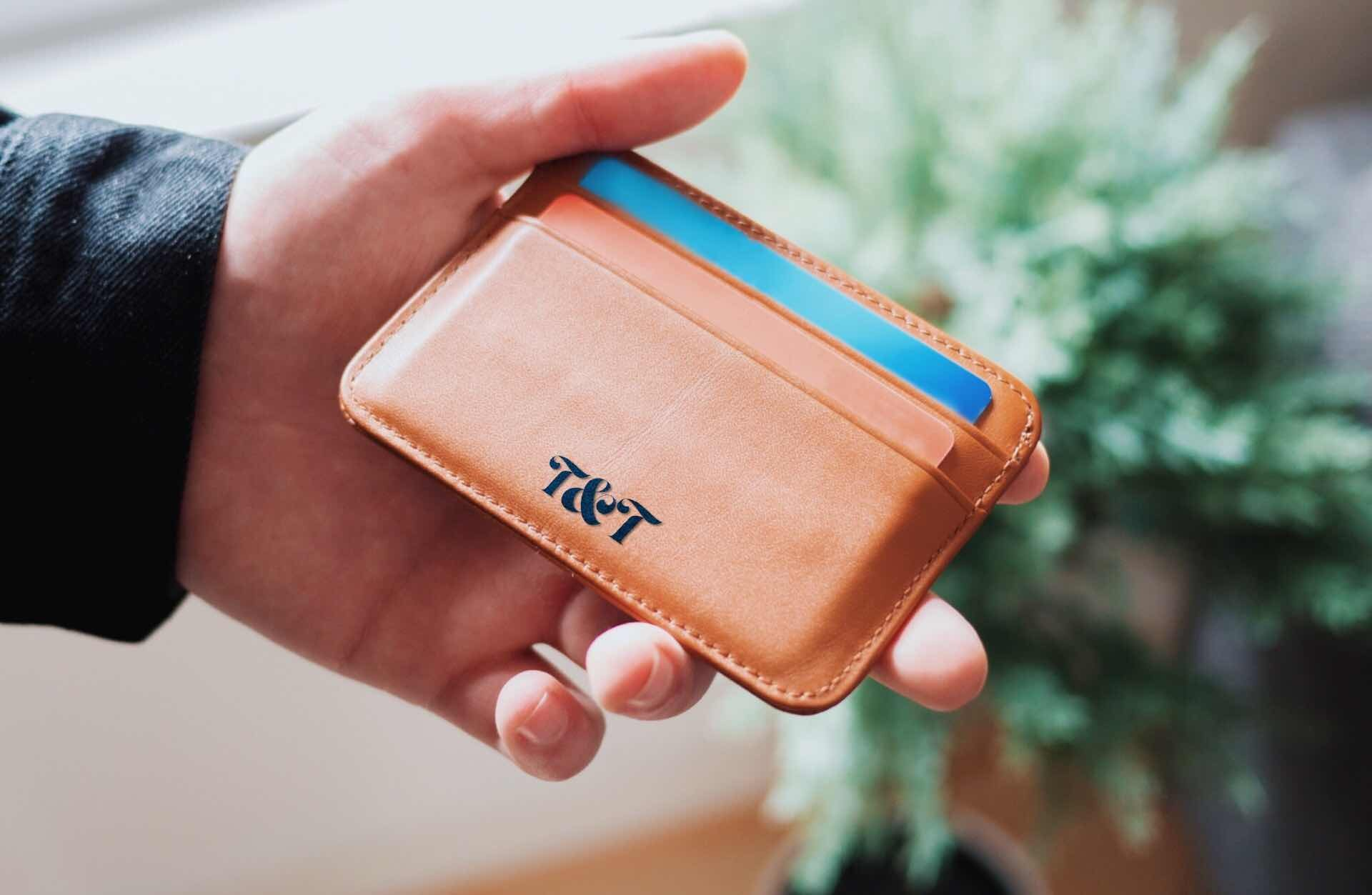 the-slimmest-wallets-for-your-money-guide-hero-oliur-rahman
