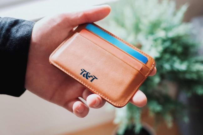 the-slimmest-wallets-for-your-money-guide-hero-oliur-rahman