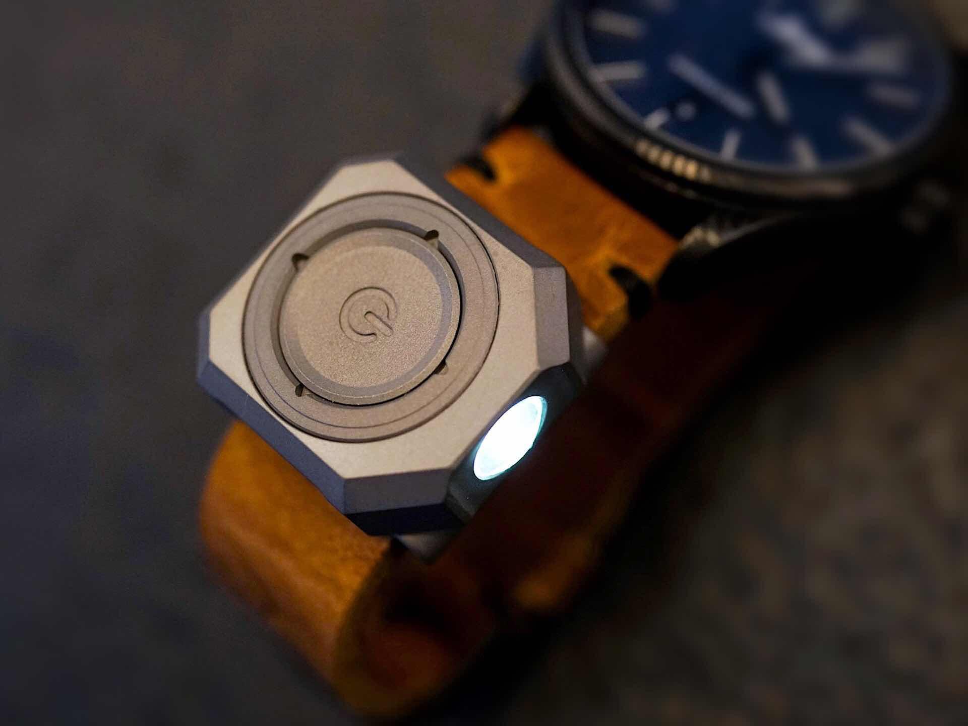 mecarmy-cpl-titanium-watchband-led-light