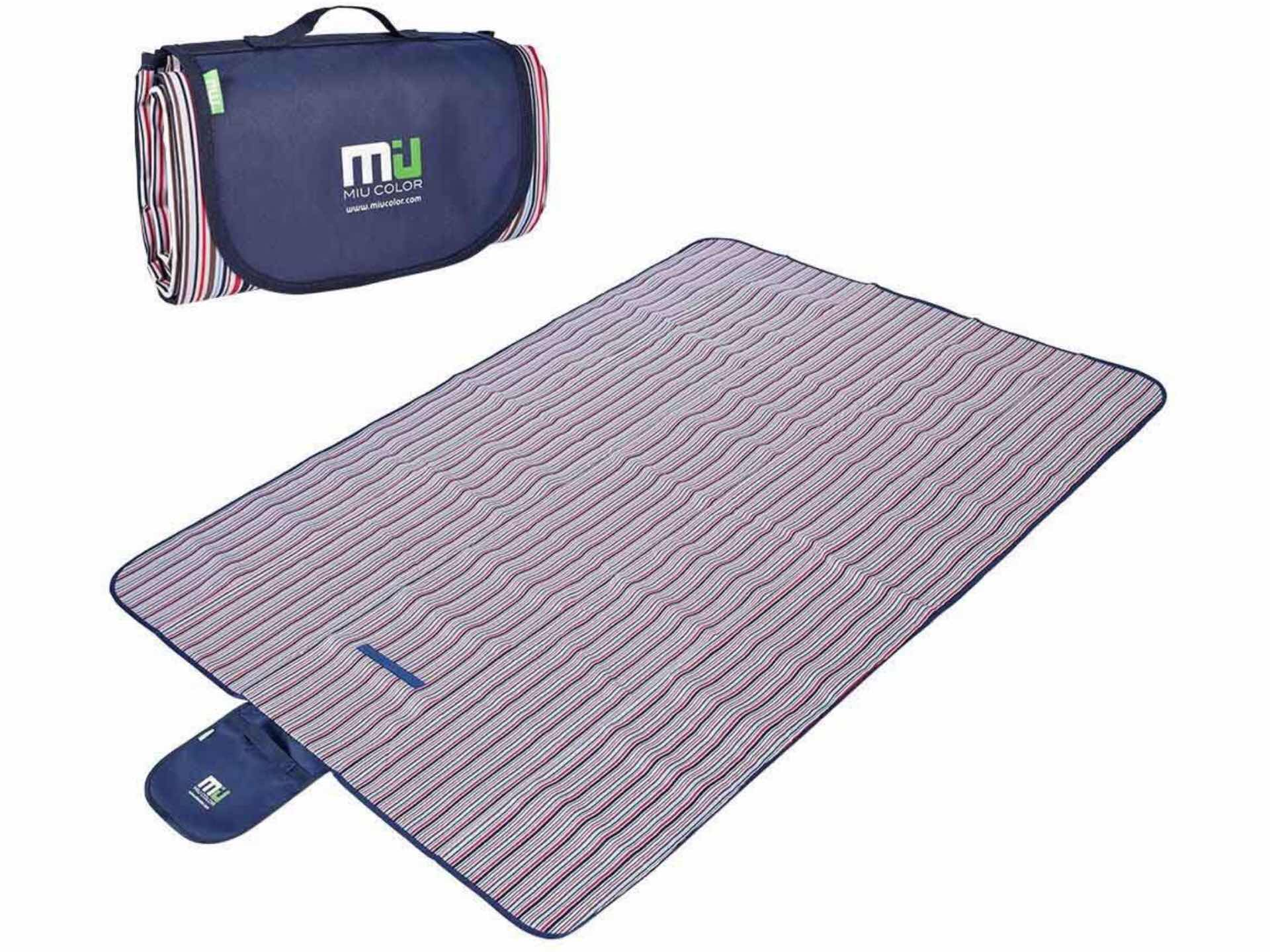 MIU COLOR waterproof and sandproof picnic blanket. ($17; available in three colors/patterns)