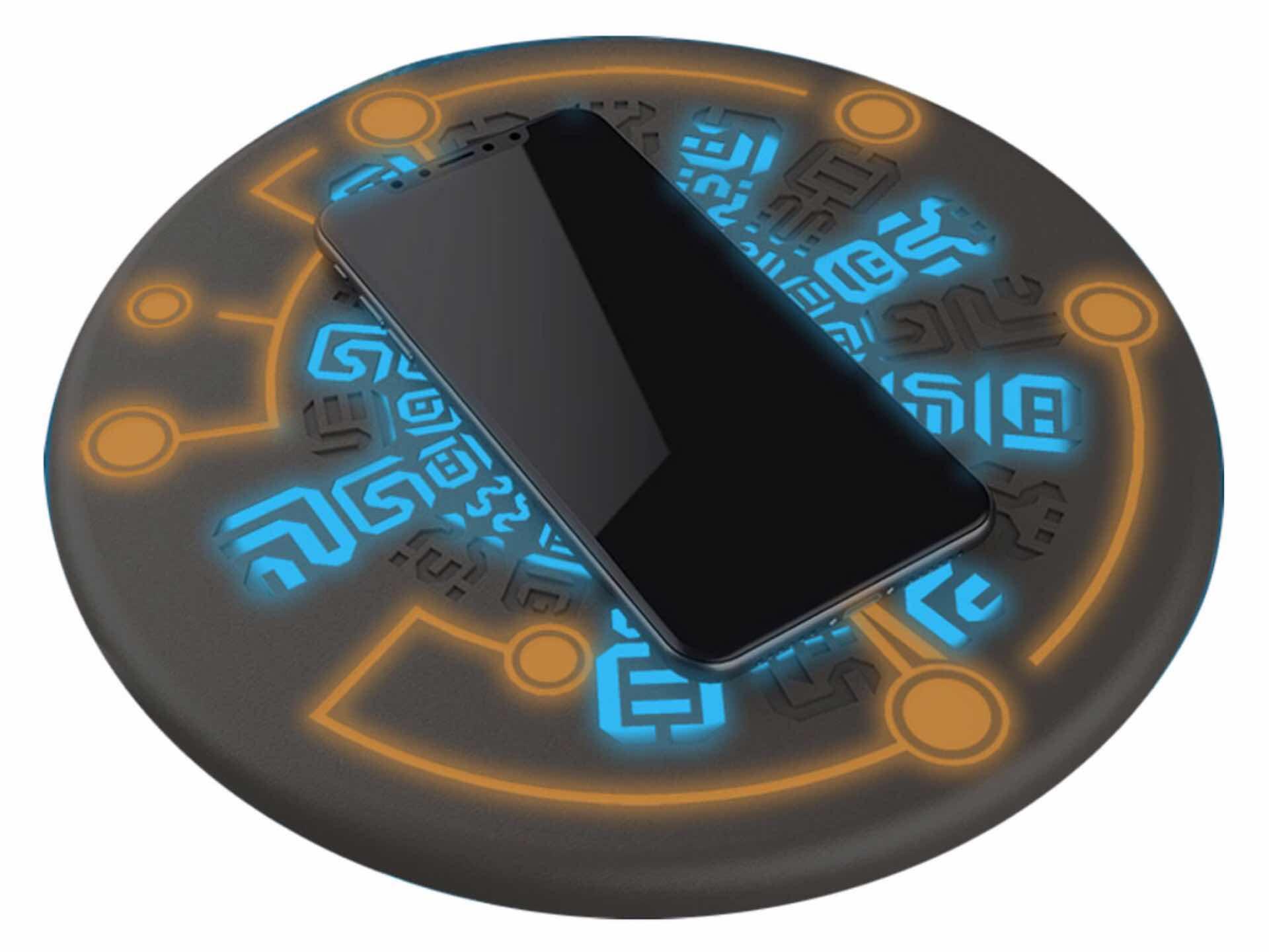 regisbox-sheikah-slate-zelda-themed-wireless-phone-charging-pad