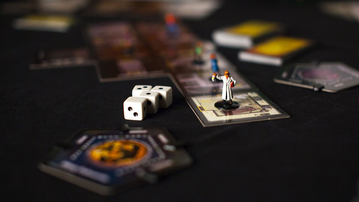 betrayal-at-house-on-the-hill-board-game-3