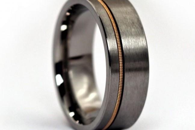 anvil-rings-guitar-string-ring-brushed-titanium