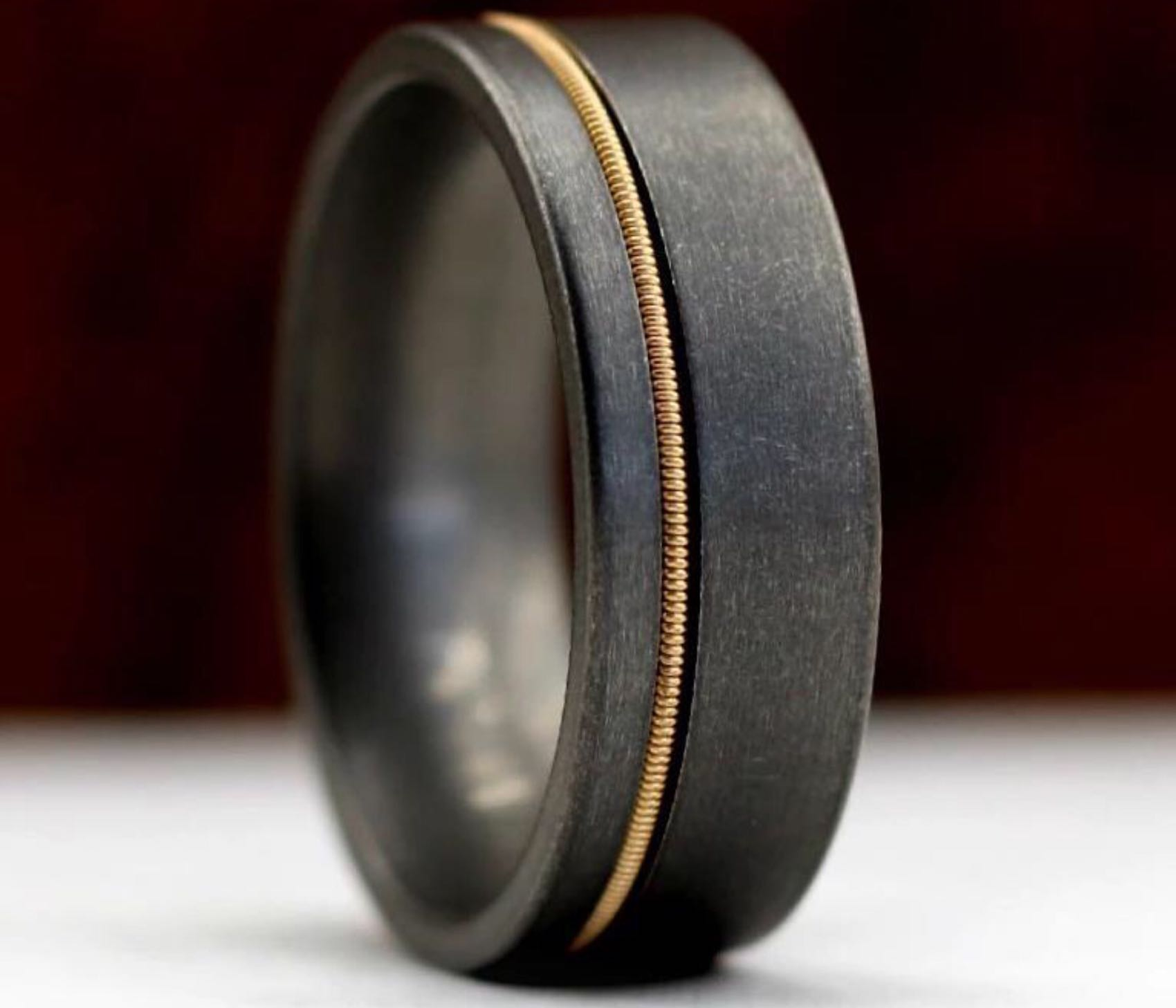 anvil-rings-guitar-string-ring-stonewashed-titanium