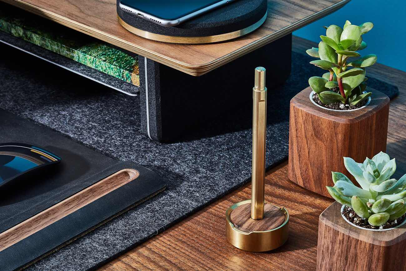 grovemade-pen-and-pen-stand-brass