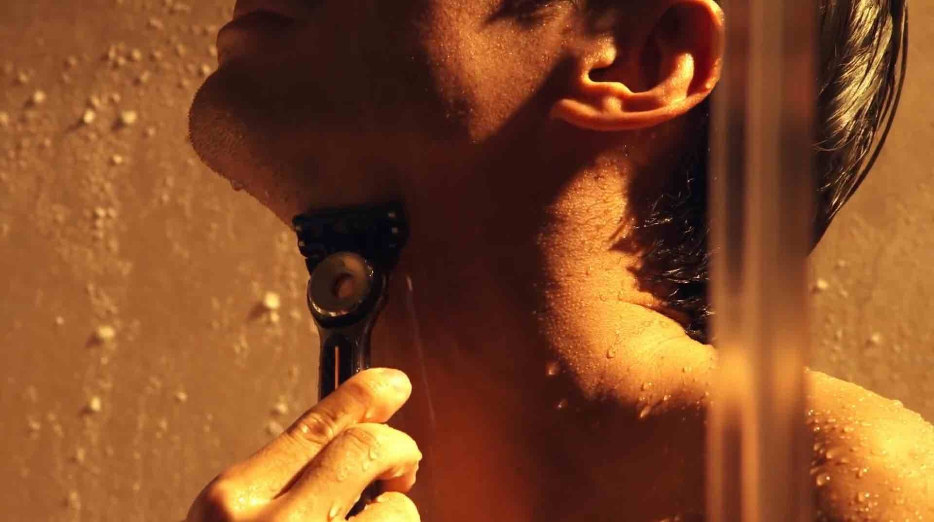 gillettelabs-heated-razor-shower-waterproof