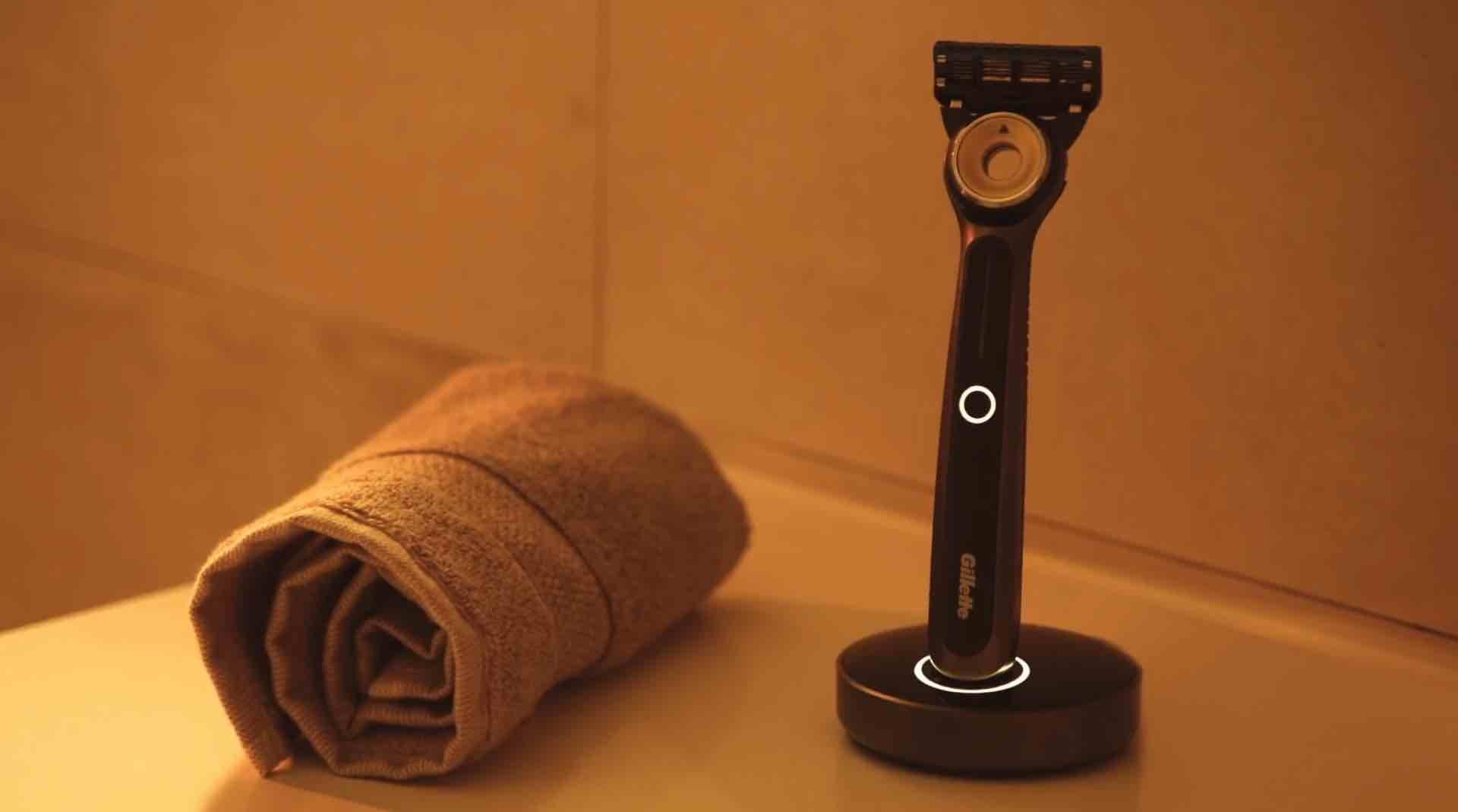 gillettelabs-heated-razor-charging-stand