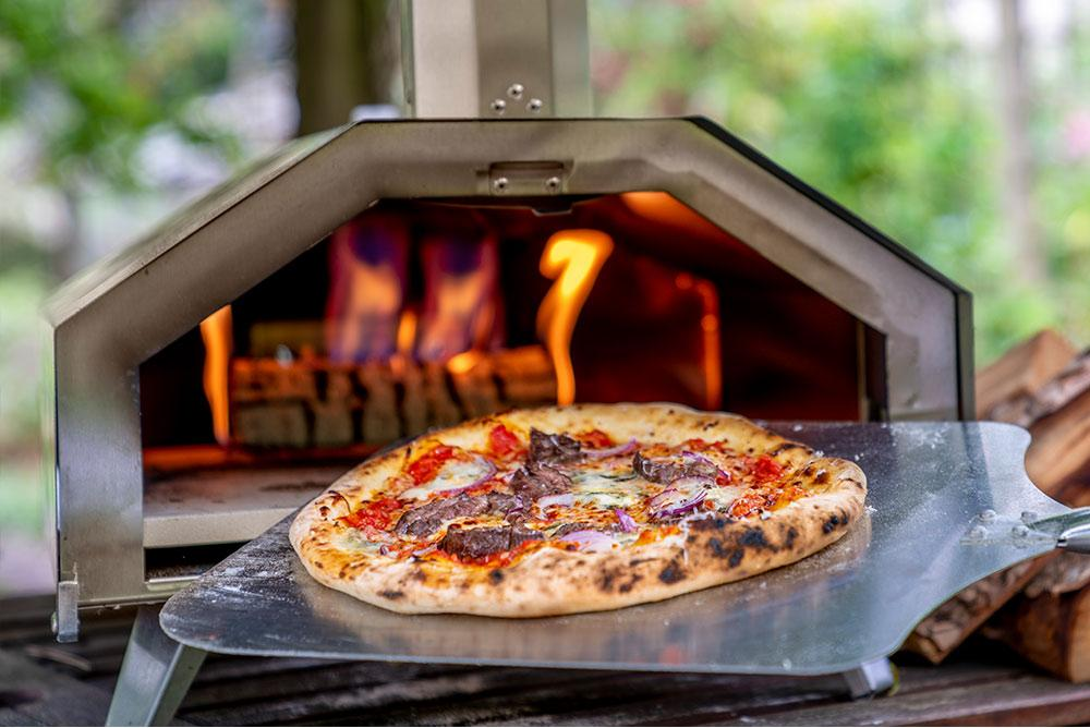 ooni-3-portable-wood-fired-outdoor-pizza-oven-3